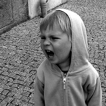 У ребенка истерика: что нельзя делать?