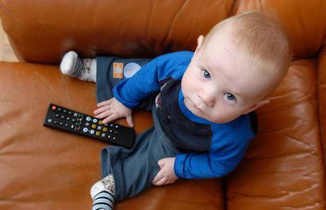 Как телевизор и компьютер влияет на нашего ребенка