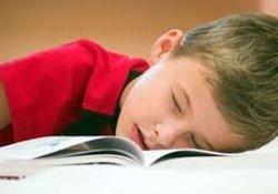 Уставшим школьникам нужна помощь родителей