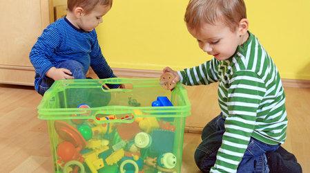 Учим ребенка собирать свои игрушки