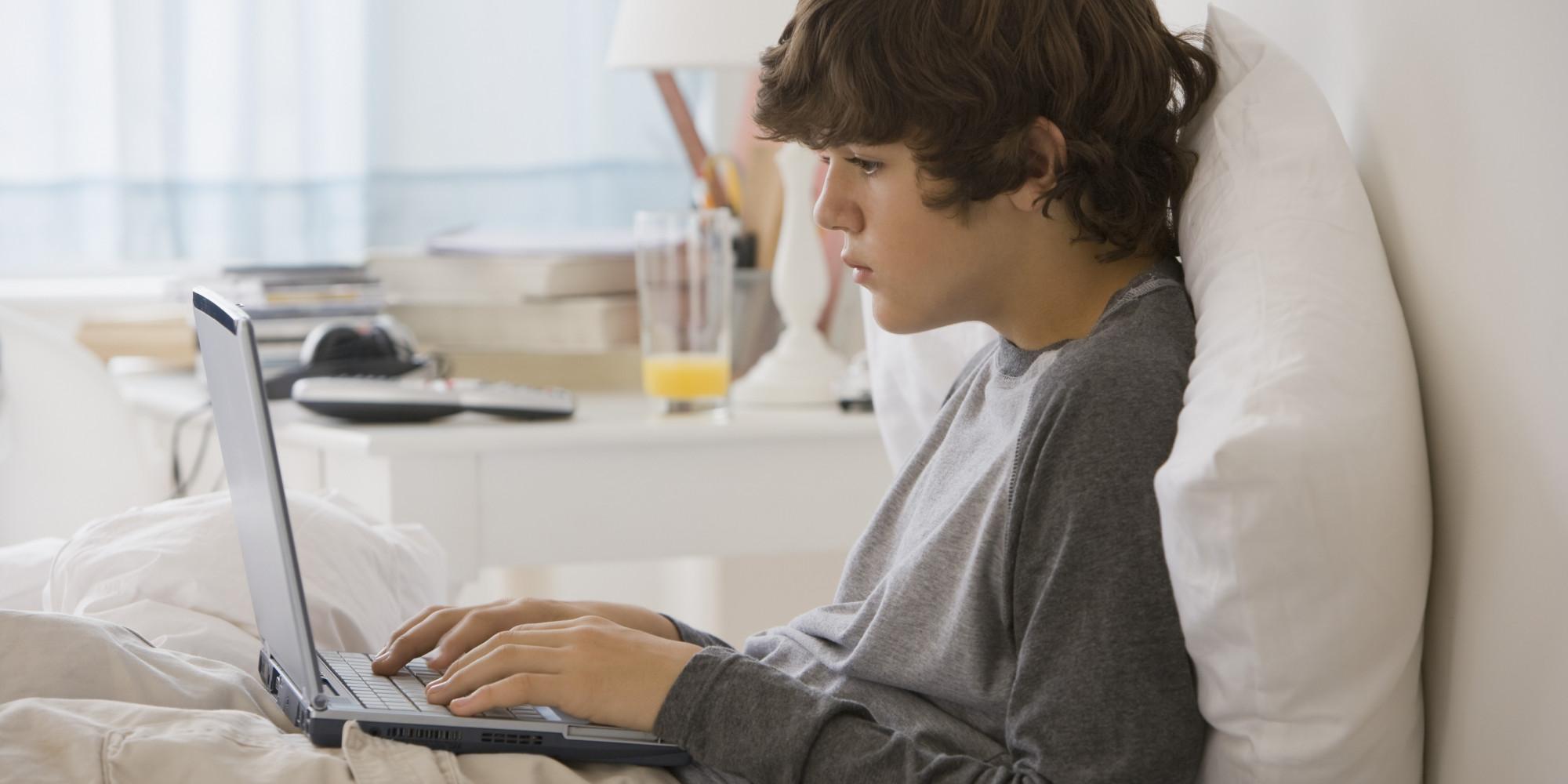 В чём опасность детской компьютерной зависимости и как с ней бороться?