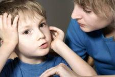 Ребёнок повторяет услышанное
