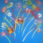 Цветы на синем фоне