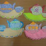 3. «Чайный набор на салфетке»