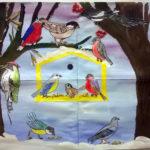 Изображение кормушки с птицами