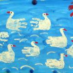 Изображение лебедей