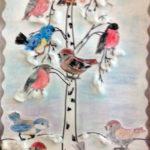 Изображение зимующих птиц на на берёзке