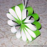 цветок из бумаги зелёный