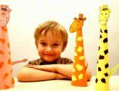 мальчик с бумажными жирафами