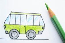 дети рисуют транспорт